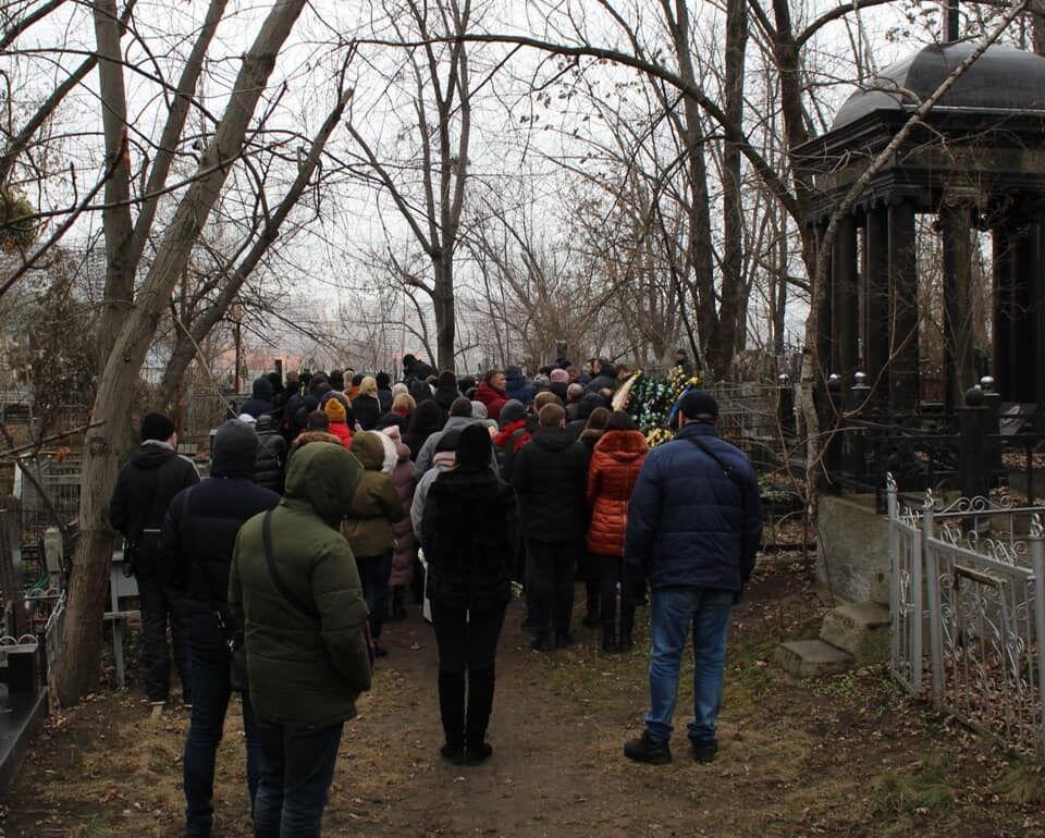 В Киеве похоронили бортпроводницу МАУ