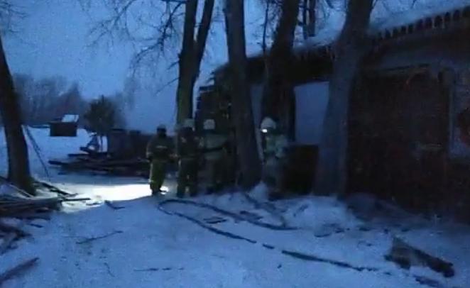 В России в общежитии заживо сгорели 11 человек: фото и видео с места