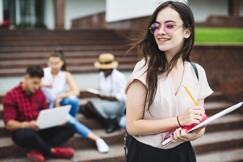 Учеба за границей: что предлагают абитуриентам Днепра и как получить грант