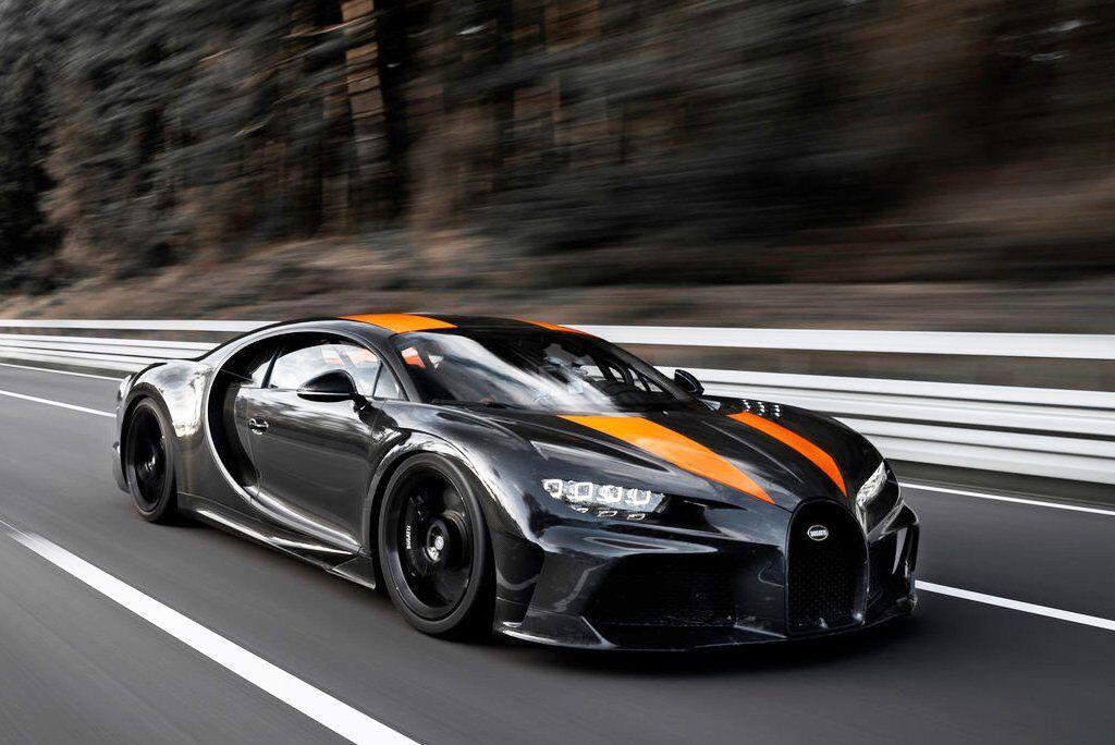 Актуальний рекорд швидкості належить Bugatti Chiron, який розігнали до 490,484 км/год