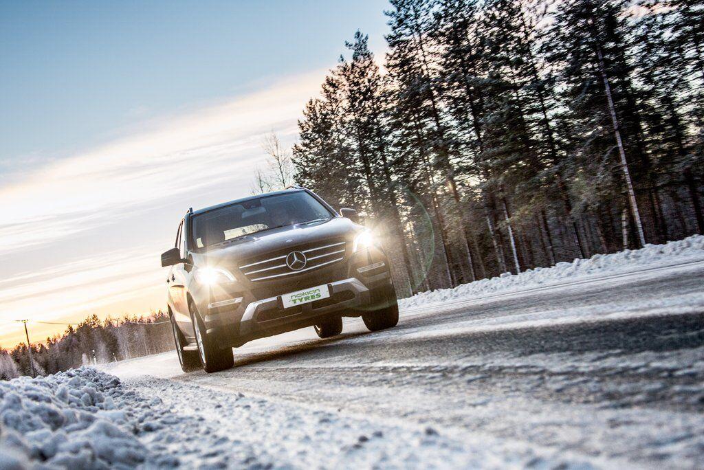 Компания Nokian Tyres предлагает широкий ассортимент зимних шин для легковых автомобилей и внедорожников