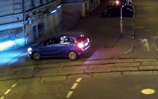 Автохам в Одессе чуть не задавил ребенка в коляске