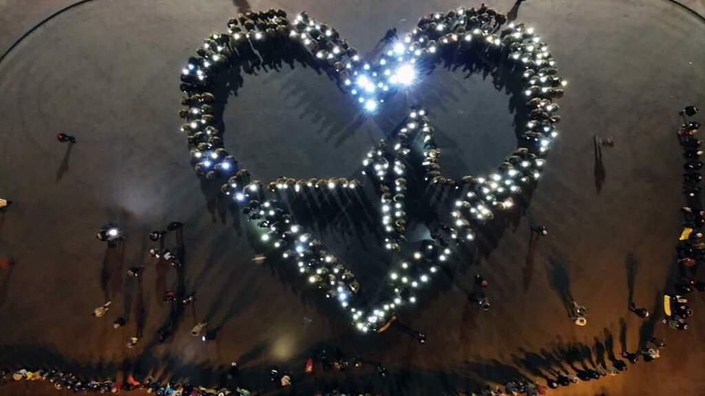В Одесі люди створили живе серце України