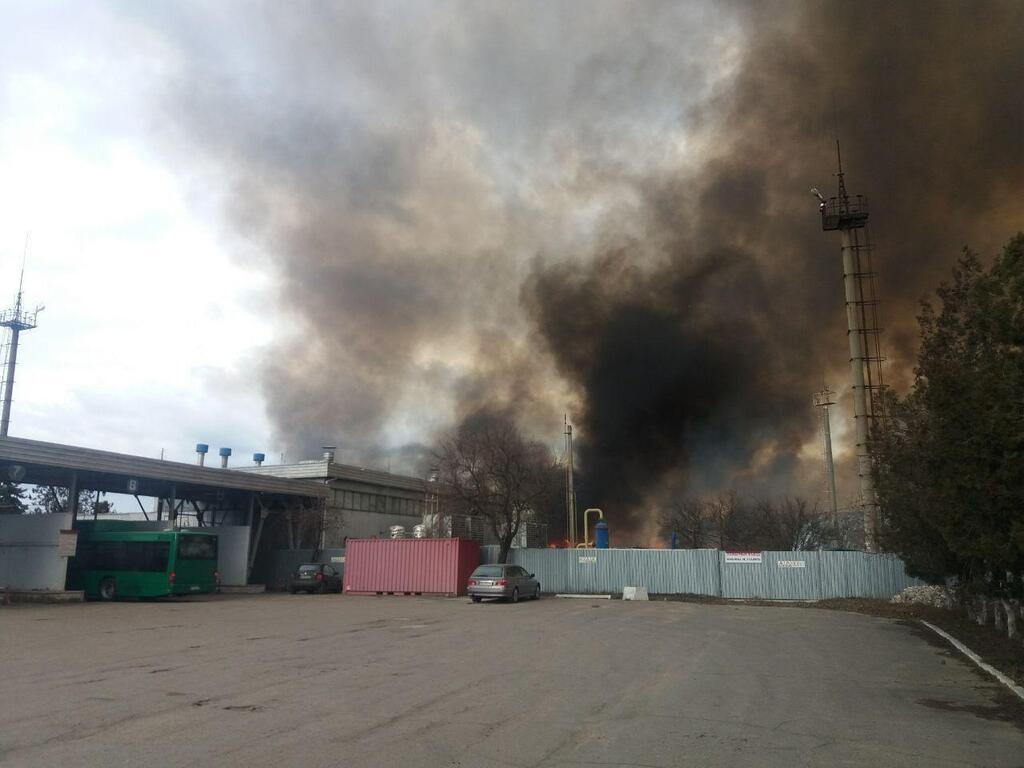Дым от мощного пожара напугал Одессу