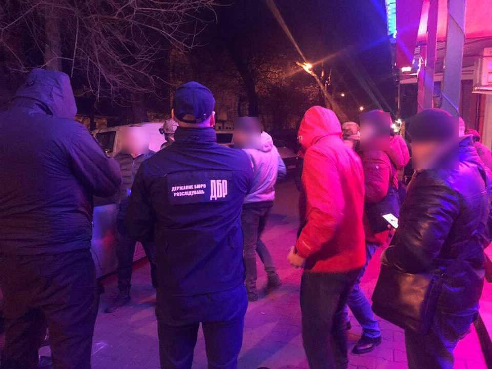 Копы-оборотни устроили налет на дом фермеров на Одесщине