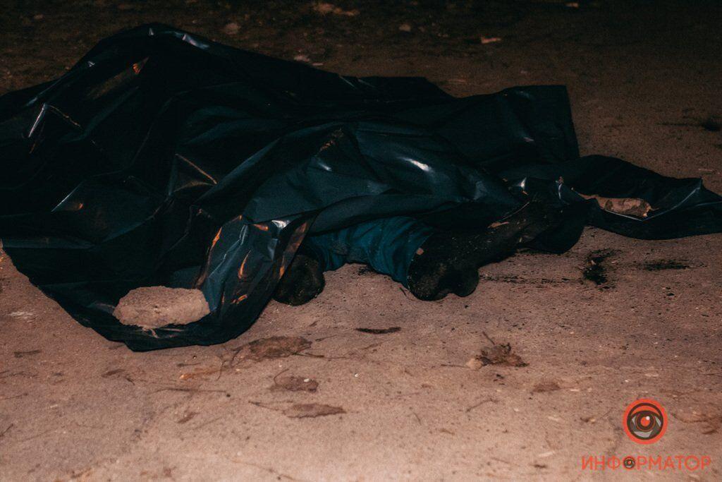 В Днепре возле жилого дома обнаружили труп мужчины