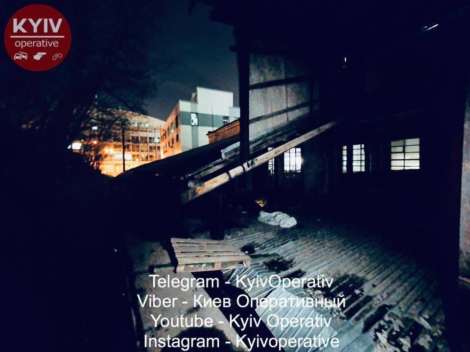 В Киеве недалеко от ТРЦ Гулливер скончался парень