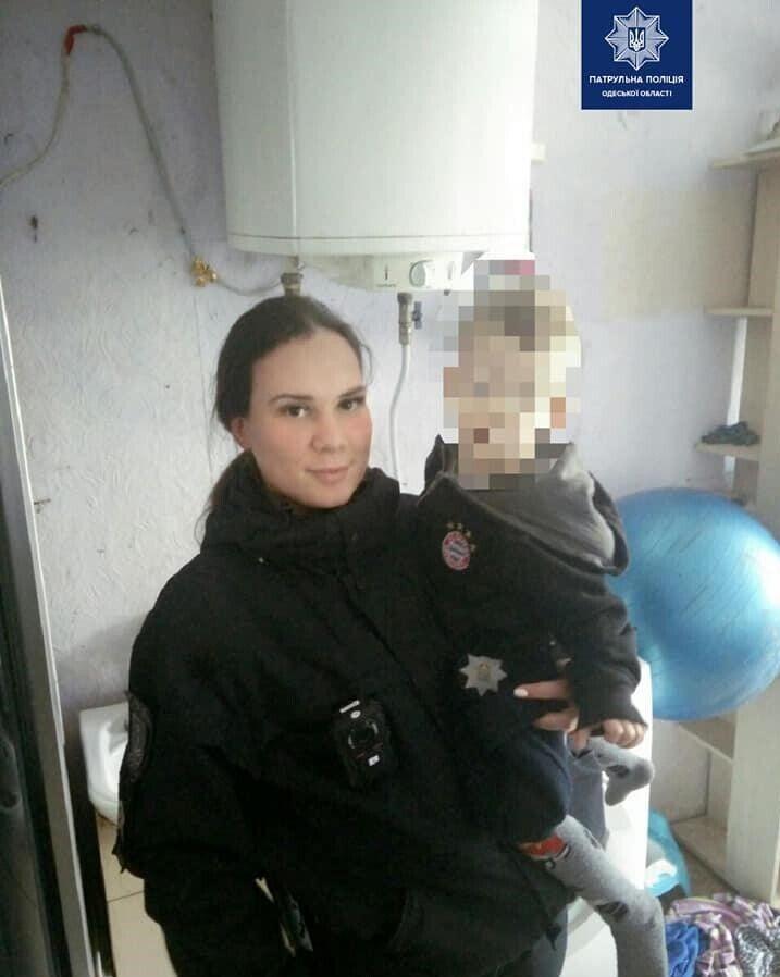 Одесситка на двое суток заперла детей в квартире и ушла гулять
