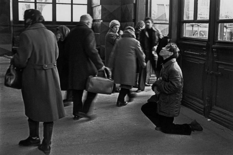 Мрак, нищета и много алкоголиков: топ-15 запрещенных фото реального СССР
