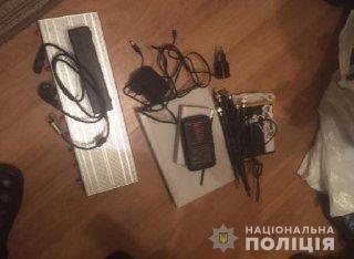 В Киеве поймали мужчину, который обокрал MARUV. Вещественные доказательства