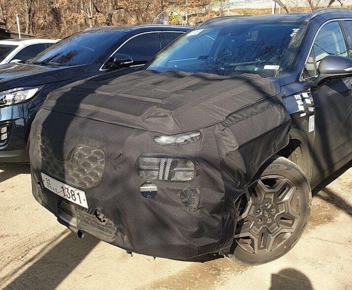 Hyundai Santa Fe 2020 вперше потрапив до фотошпигунів