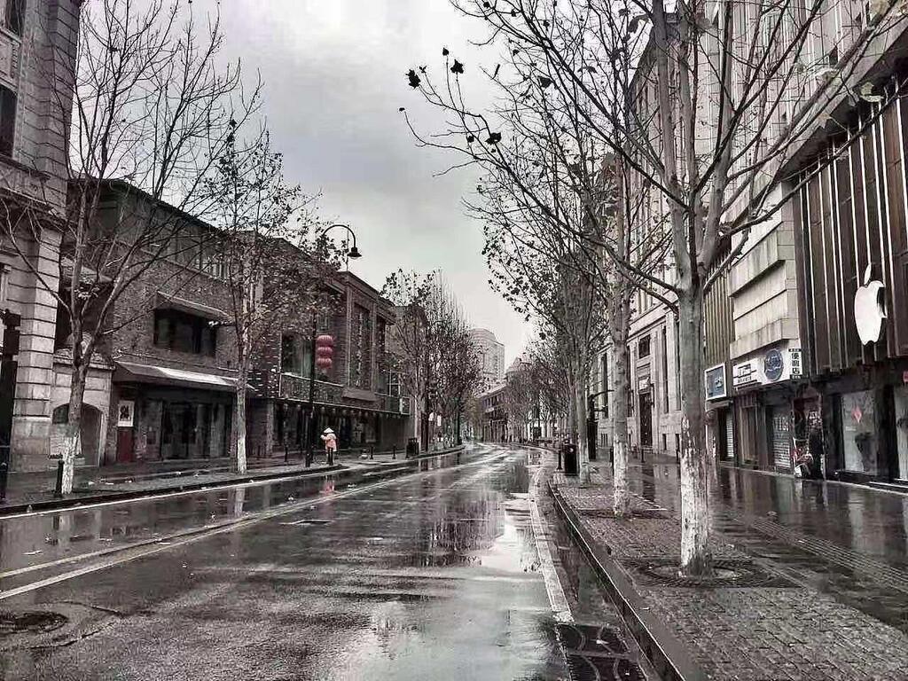 Пустые улицы в Ухане, где объявлен карантин