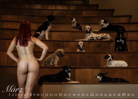 Німецькі студенти знялися голими для благодійного календаря