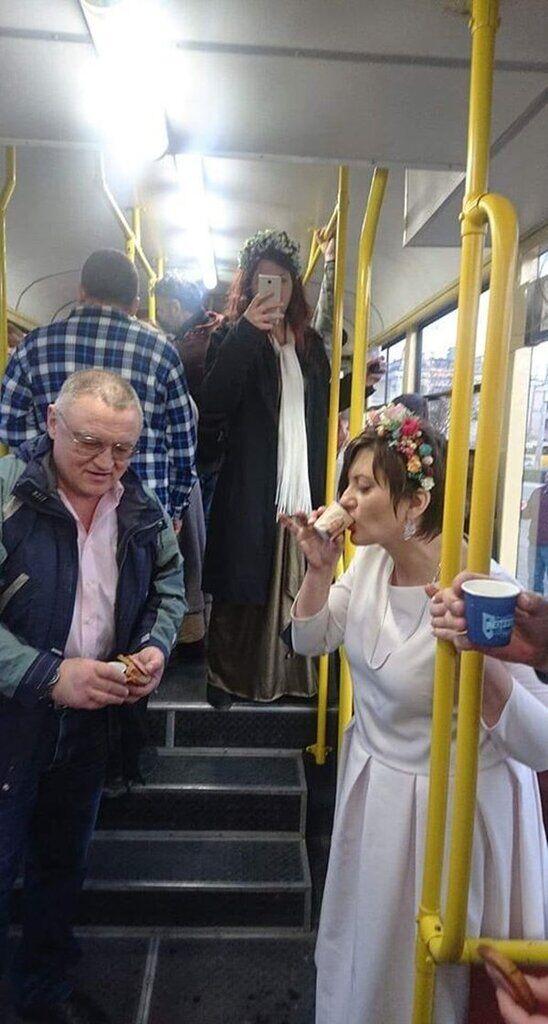 Ветеран АТО і його наречена незвично відсвяткували весілля в Одесі
