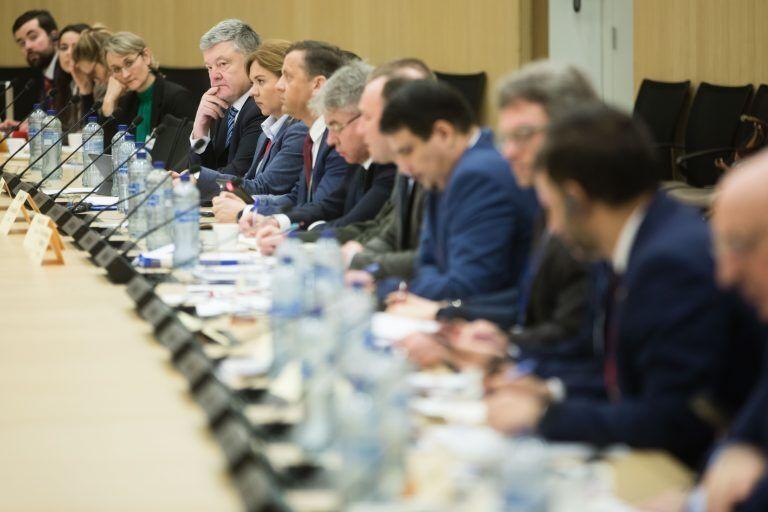 Закликав надати ПДЧ: Порошенко взяв участь у засіданні Україна-НАТО
