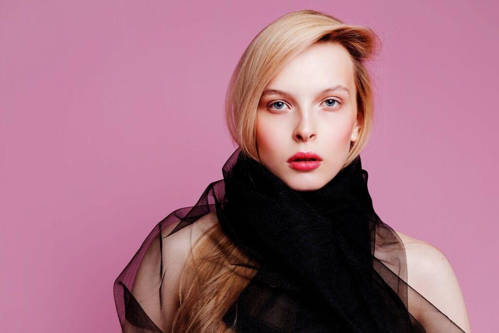 Как выглядеть моложе: пять секретов макияжа, побеждающих старость