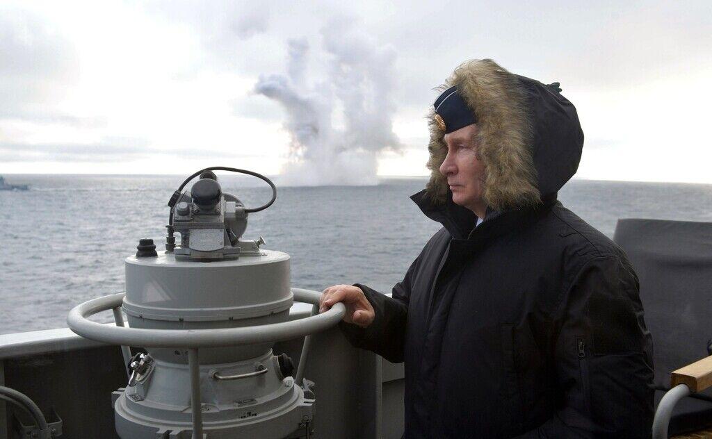 Путин в Севастополе на учениях военно-морского флота, 9 января 2020 года
