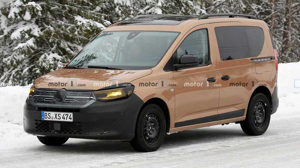 VW Caddy 2020 року, замаскований під Renault