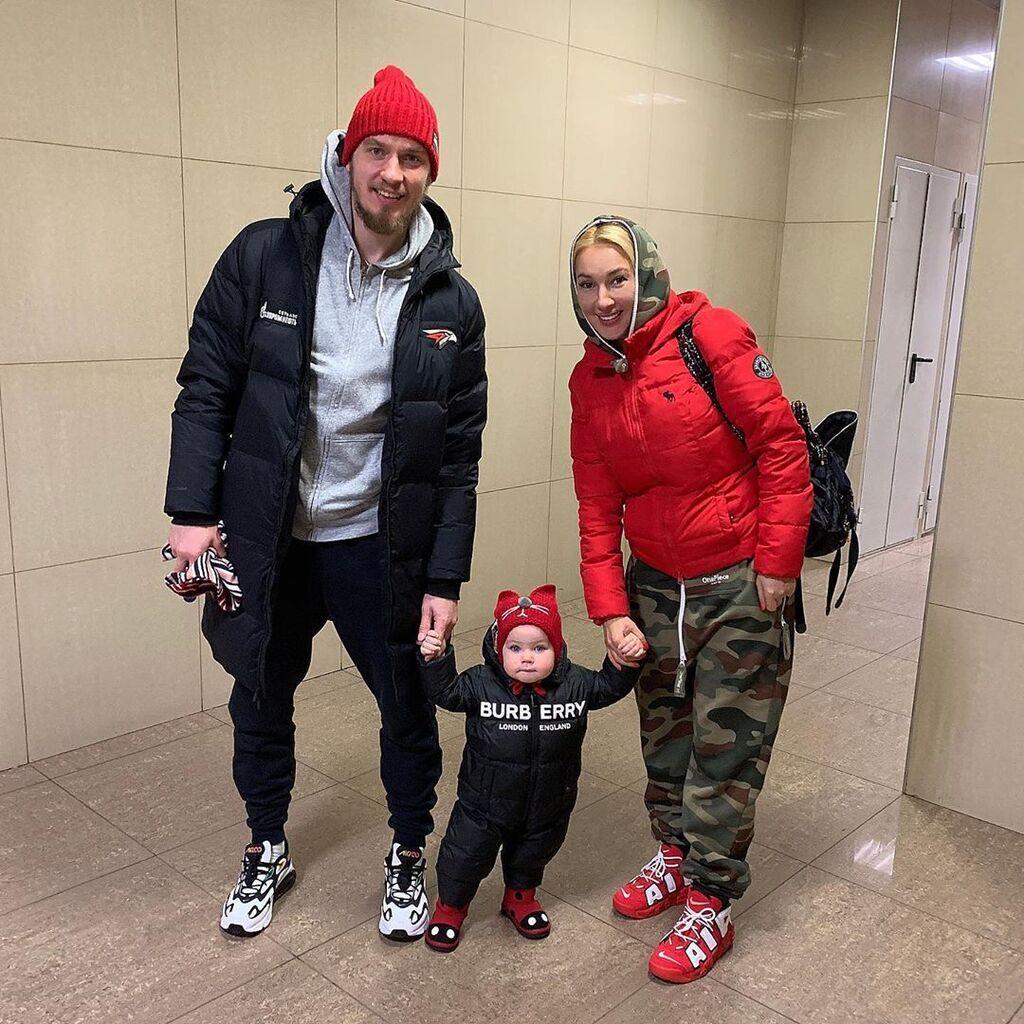 Лєра Кудрявцева з Ігорем Макаровим і донькою Машею