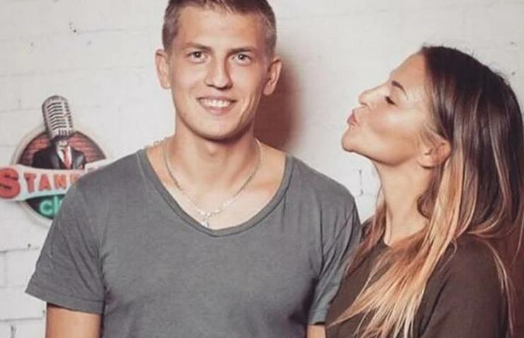 Як виглядає на фото дружина Олексія Щербакова Олена і що у них за відносини