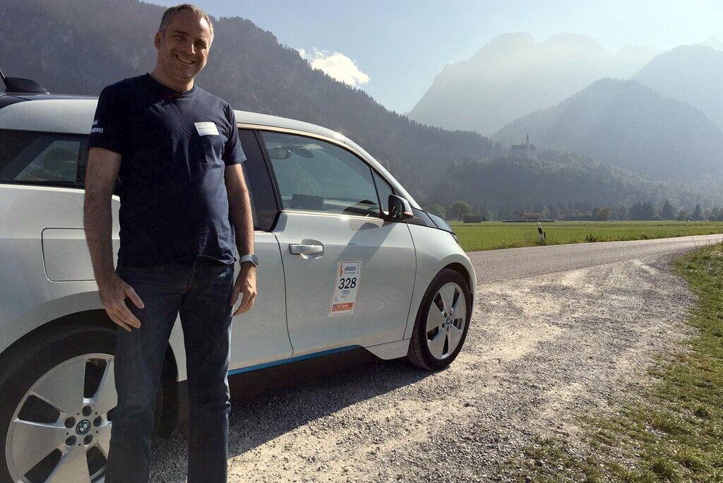 Хельмут Нойманн доволен: его BMW i3 оказался очень экономичным