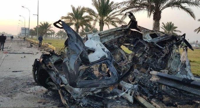 Обломки уничтоженного автомобиля, на котором перемещался Сулеймани