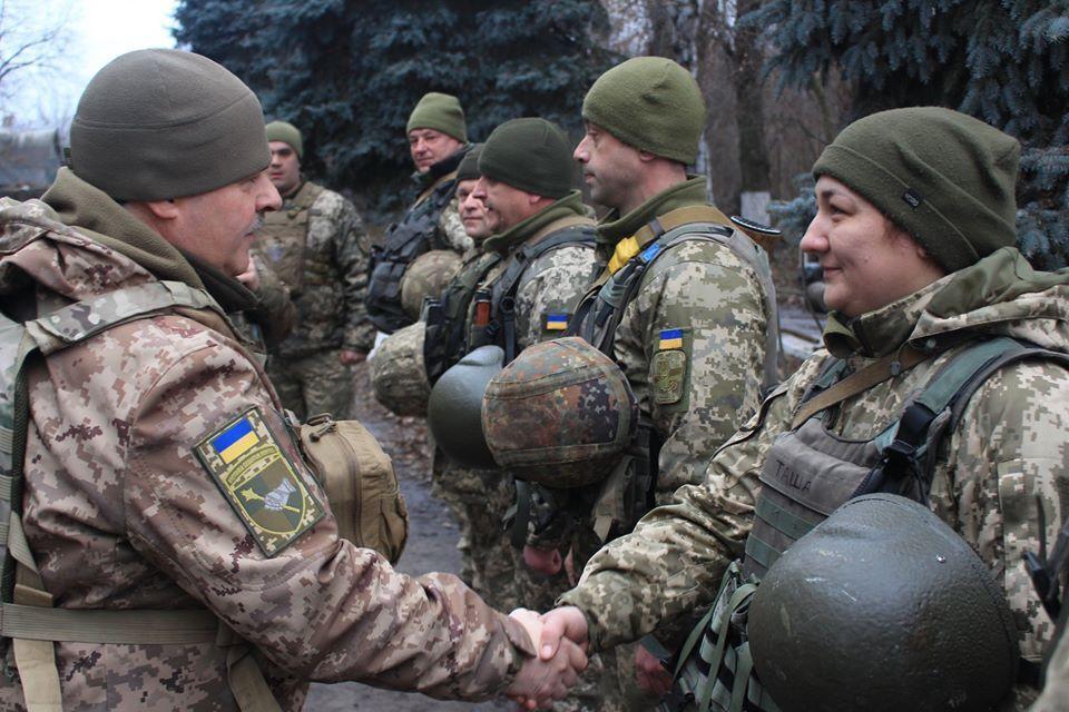Бойцов ВСУ поздравил генерал-лейтенант Вячеслав Назаркин