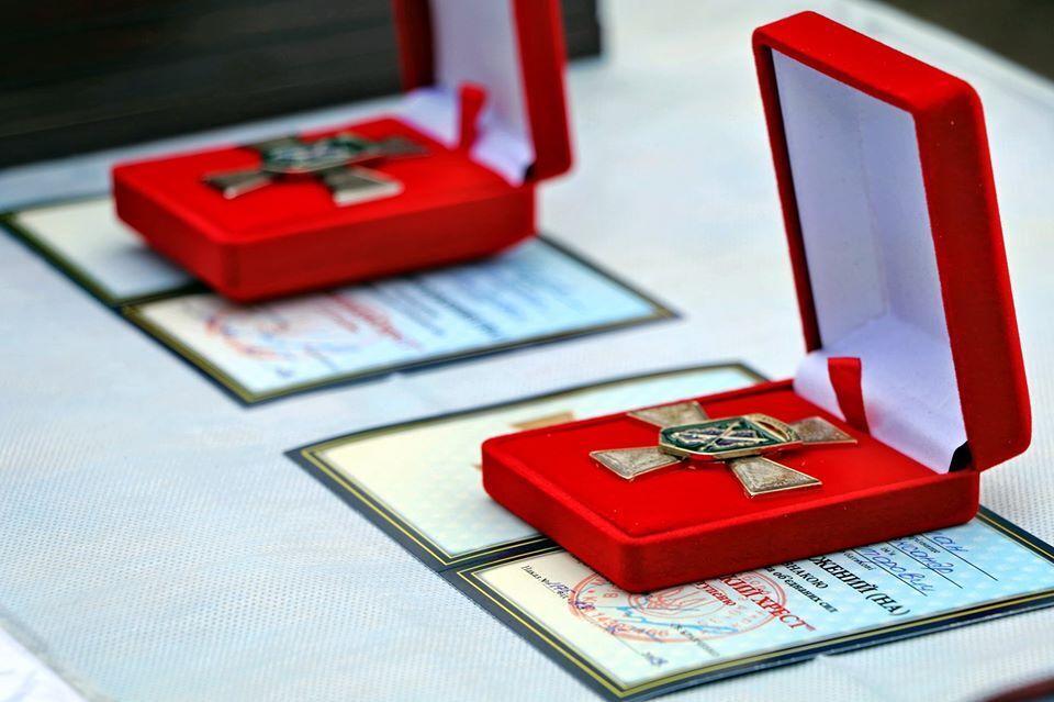 По случаю Нового года нацгвардейцев наградили знаками отличия