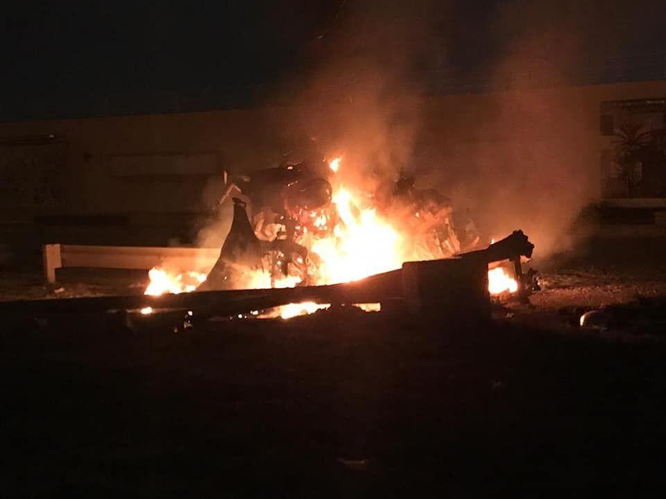 Взрыв авто после авиаудара