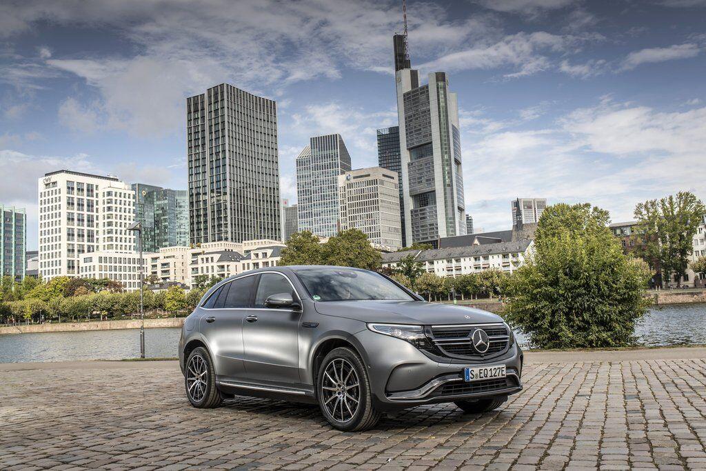 Перший електричний кросовер Mercedes-Benz EQC вже продається і навіть з'явився в Україні
