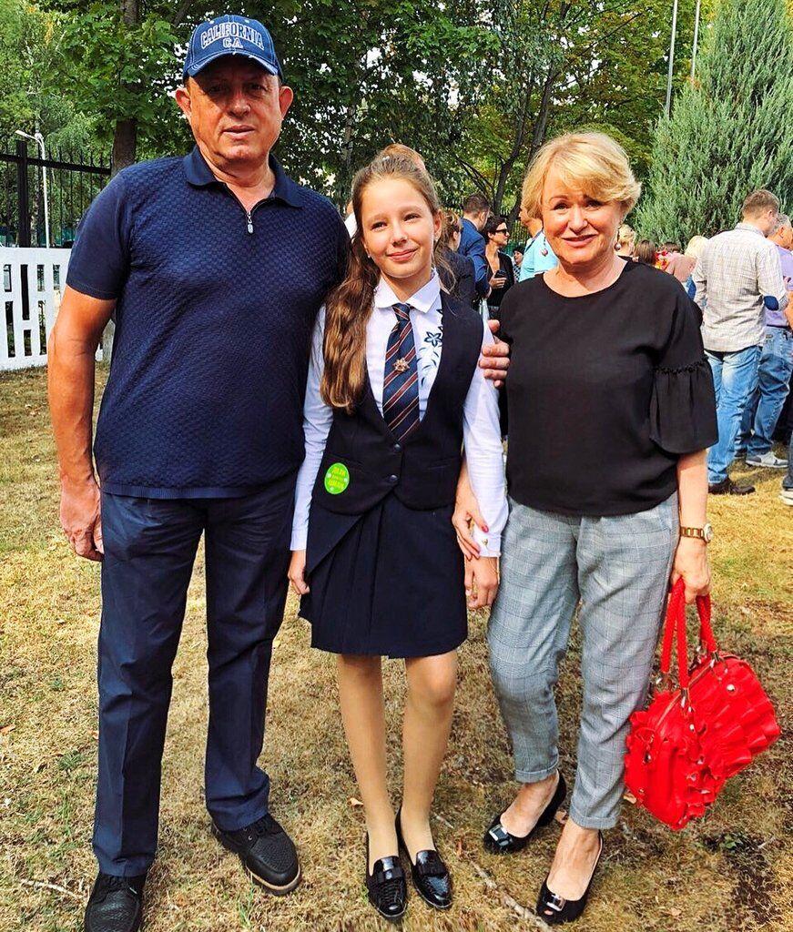 Дочь Началовой с бабушкой и дедушкой