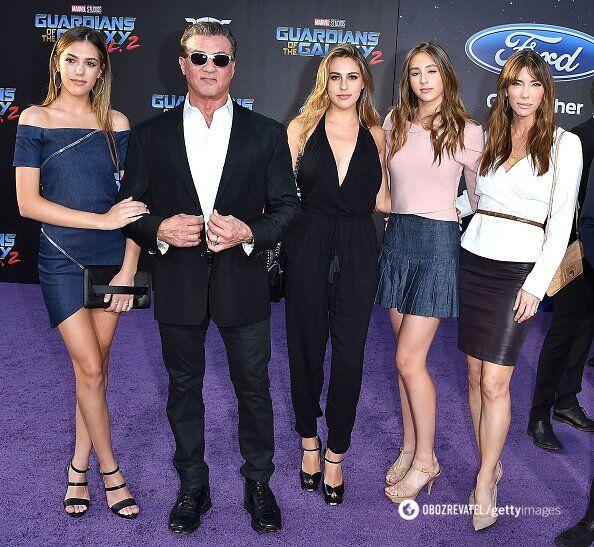 Сильвестр Сталлоне с женой и дочками