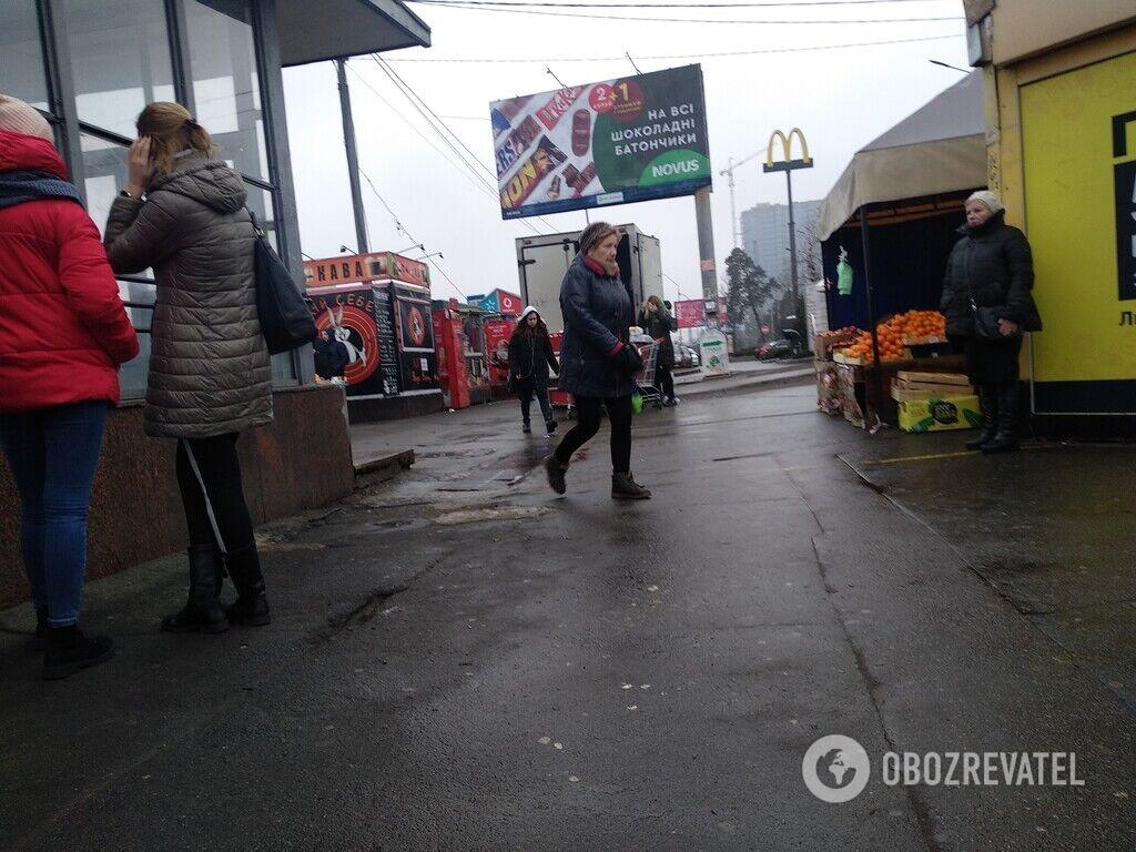 """""""Шанхай"""" у метро: """"бизнесмены"""" играют жизнями киевлян"""