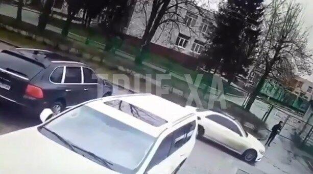 Драка между вероятными участниками стрельбы в Харькове