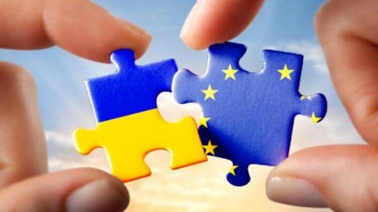 """ЕС накажет Украину"": названа угроза для безвиза"