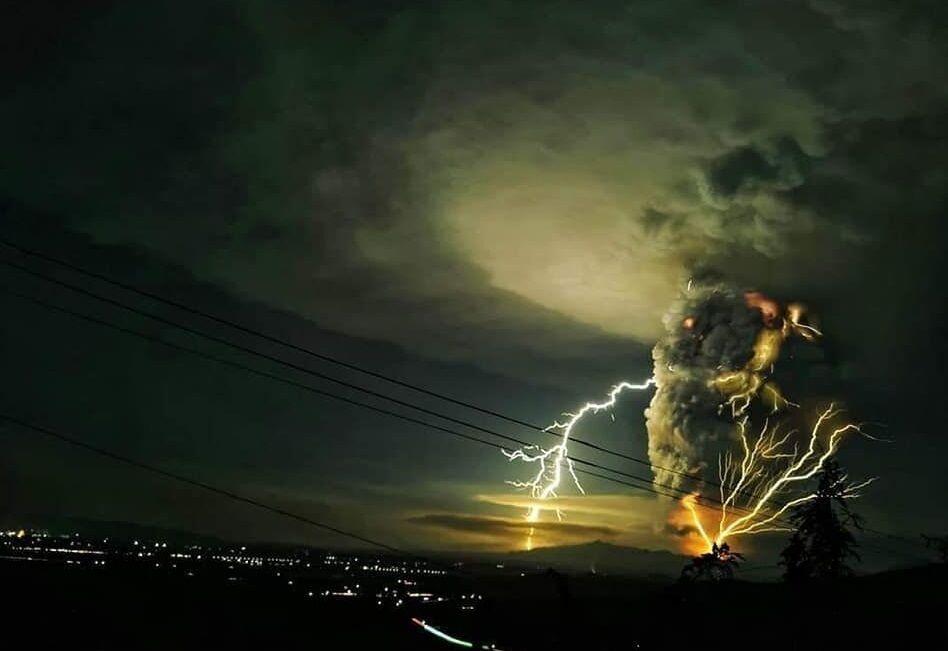 Извержение вулкана Тааль