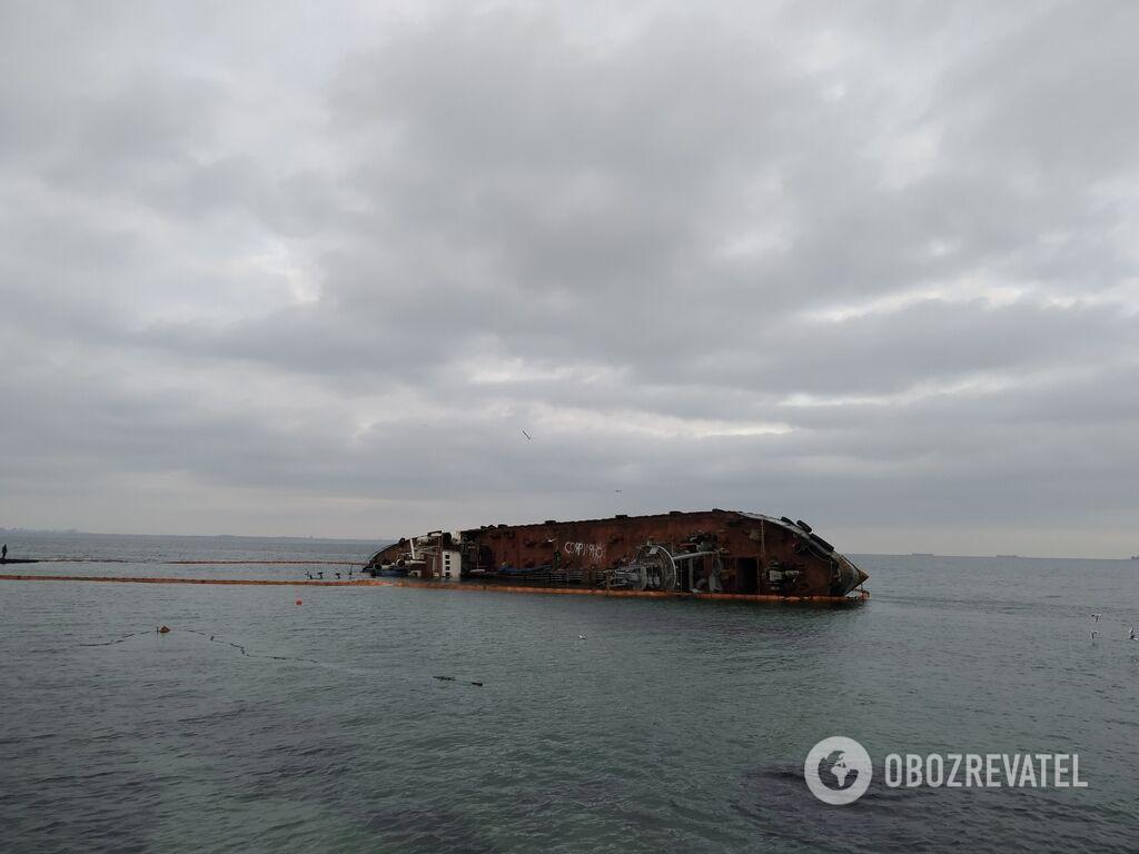 Затонулий в Одесі танкер причетний до схем Януковича