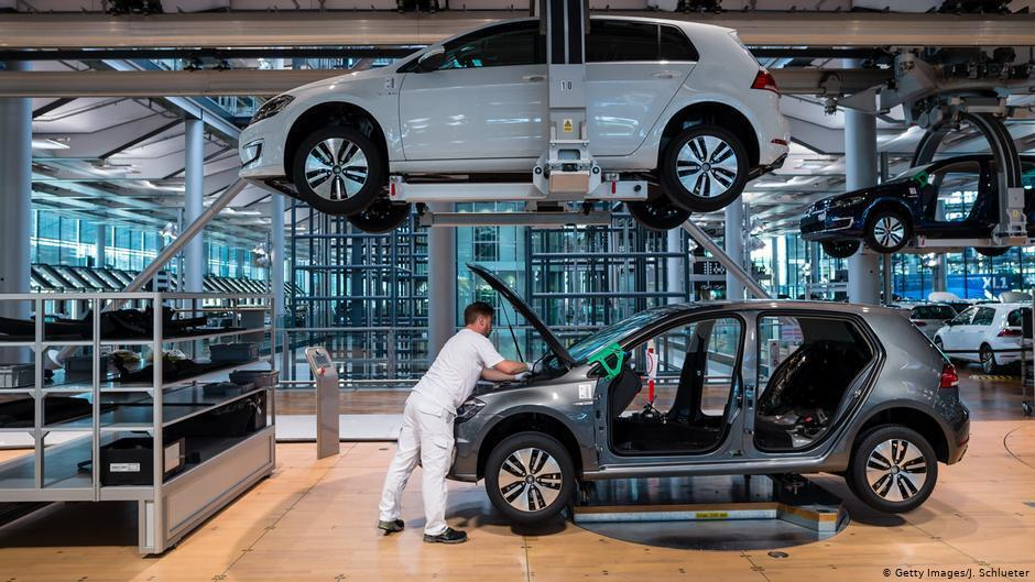 Производство автомобилей в Германии заметно снизилось