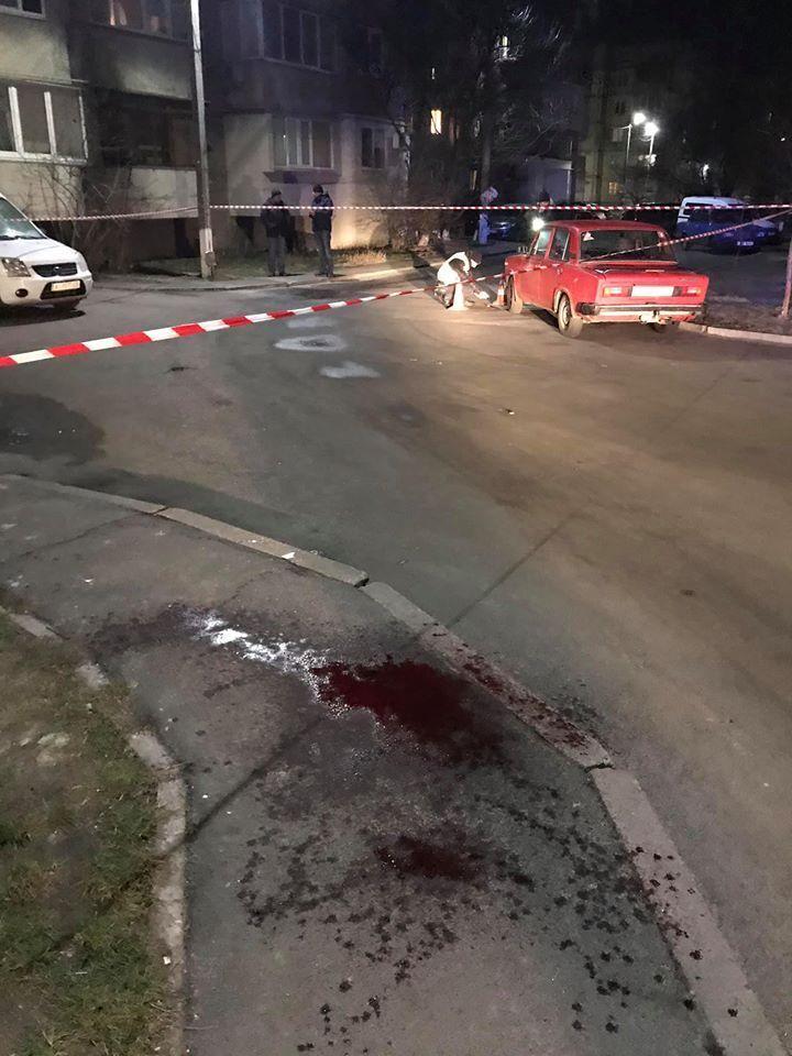 В Борисполе (Киевская область), на улице Владимира Момота в ночь на 9 января в женщину выстрелили стрелами из лука или арбалета