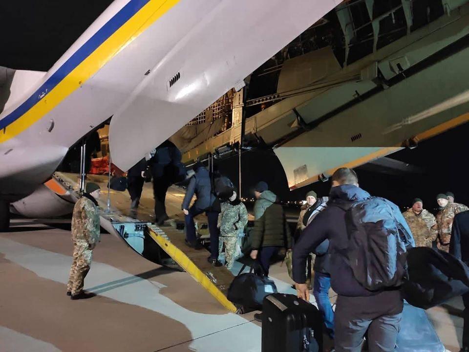 Український літак відправився до Ірану