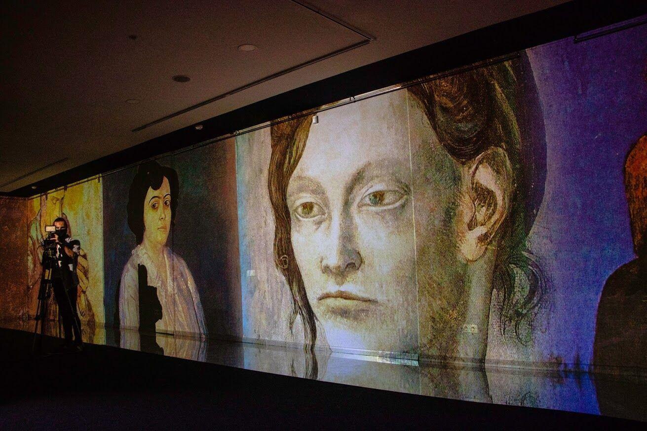 """В Днепре открылась первая диджитал-выставка """"Пикассо: периоды гениальности"""""""