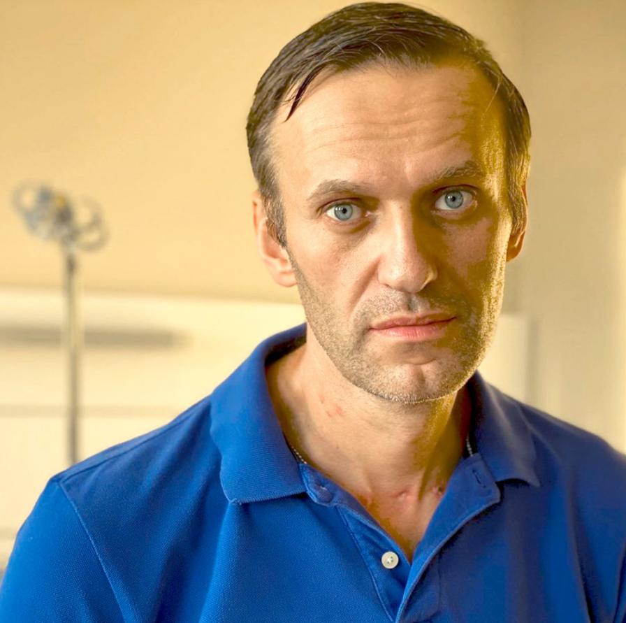 Навальный после выхода из комы.