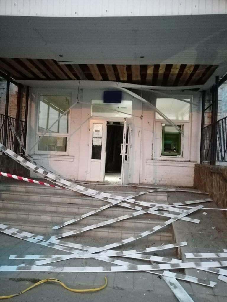 В Ахтырке преступники взорвали и пытались обокрасть банкомат