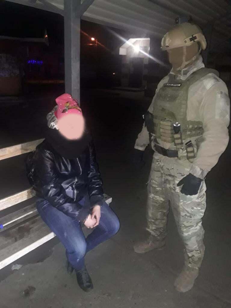 Задержаны 31-летний мужчина и 17-летняя девушка