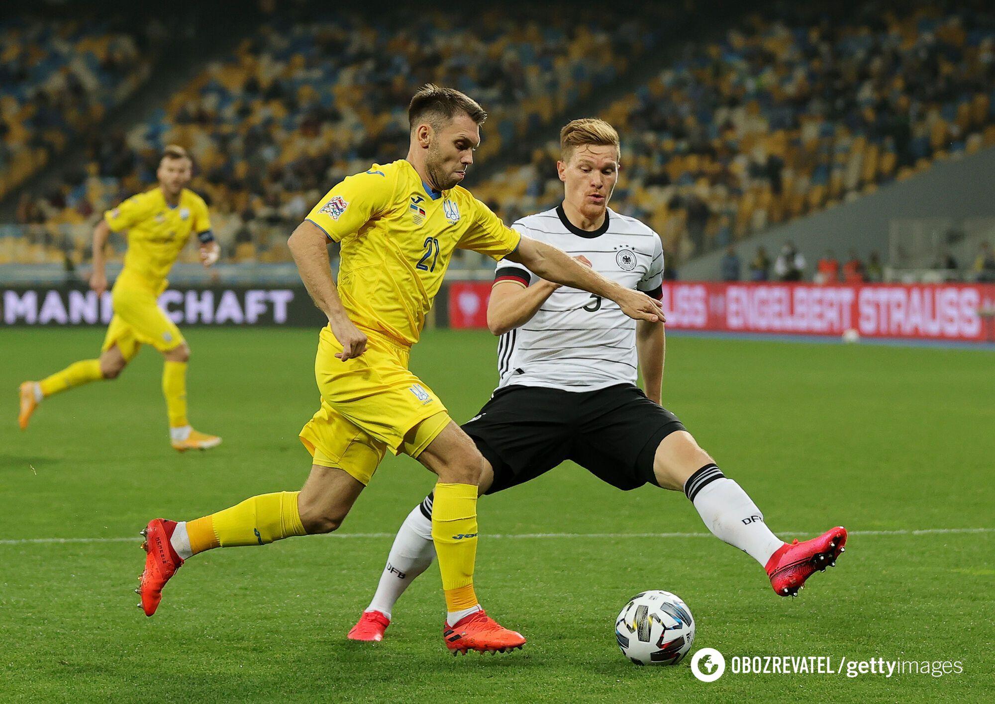 Александр Караева с трудом справлялся в защите