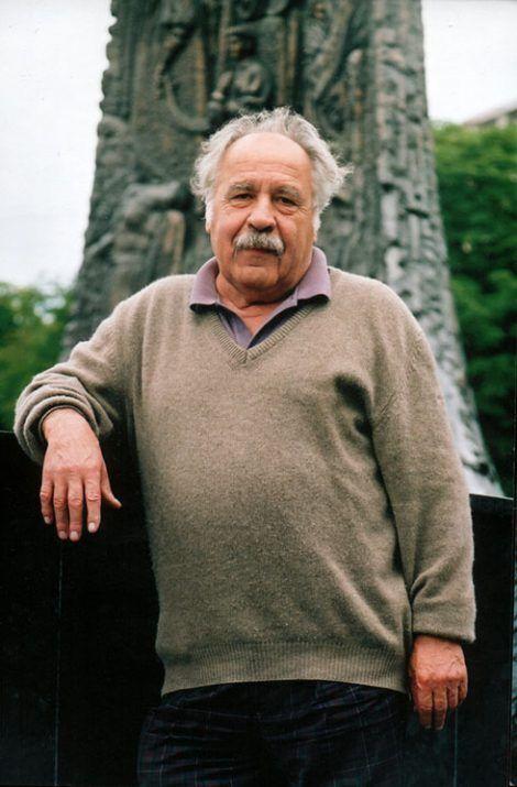 Помер відомий український поет Микола Петренко.