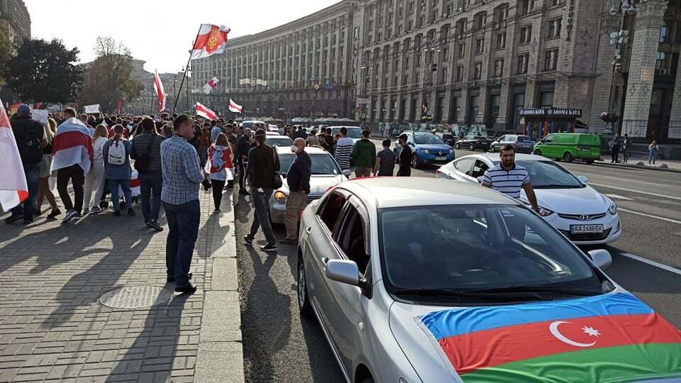 В центре Киева прошел автопробег в поддержку Азербайджана