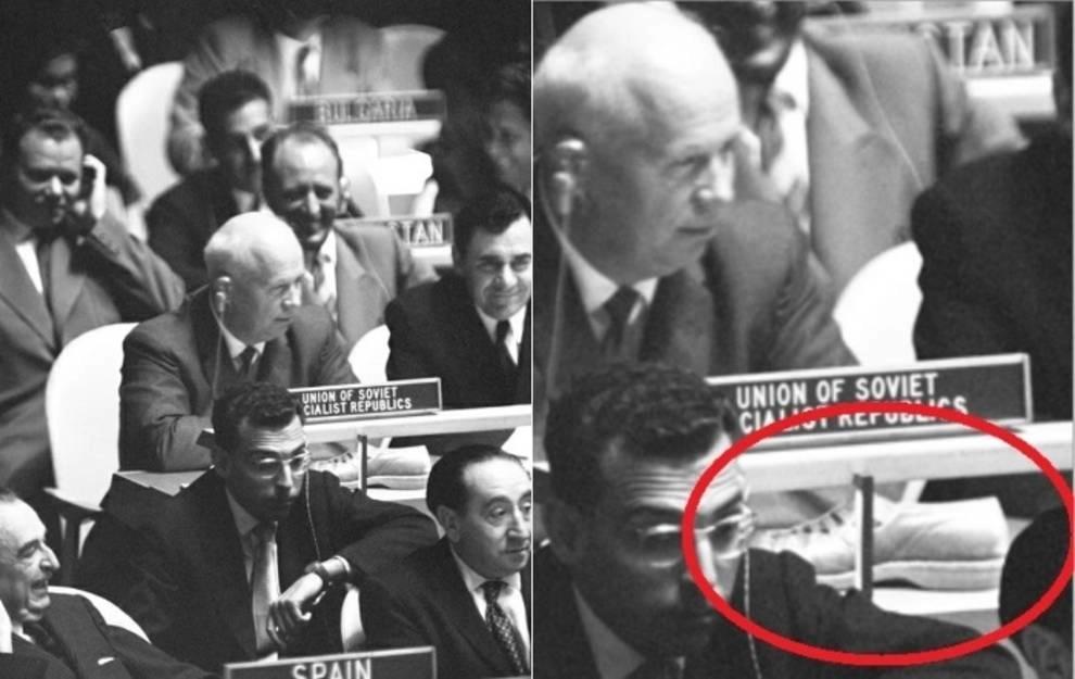 The New York Times опублікувала фото, яке закарбувало главу радянського МЗС Андрія Громико і Хрущова, на столі перед яким стояв його полуботінок