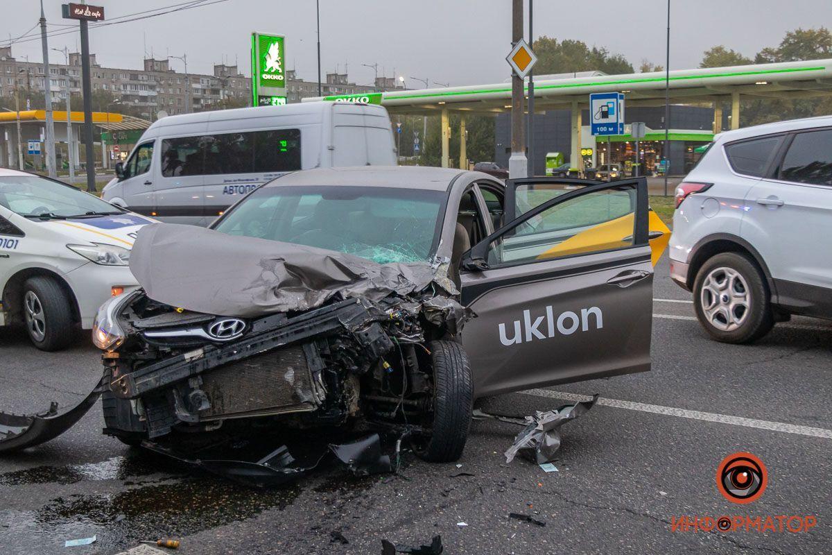В результате пострадали шестеро человек.