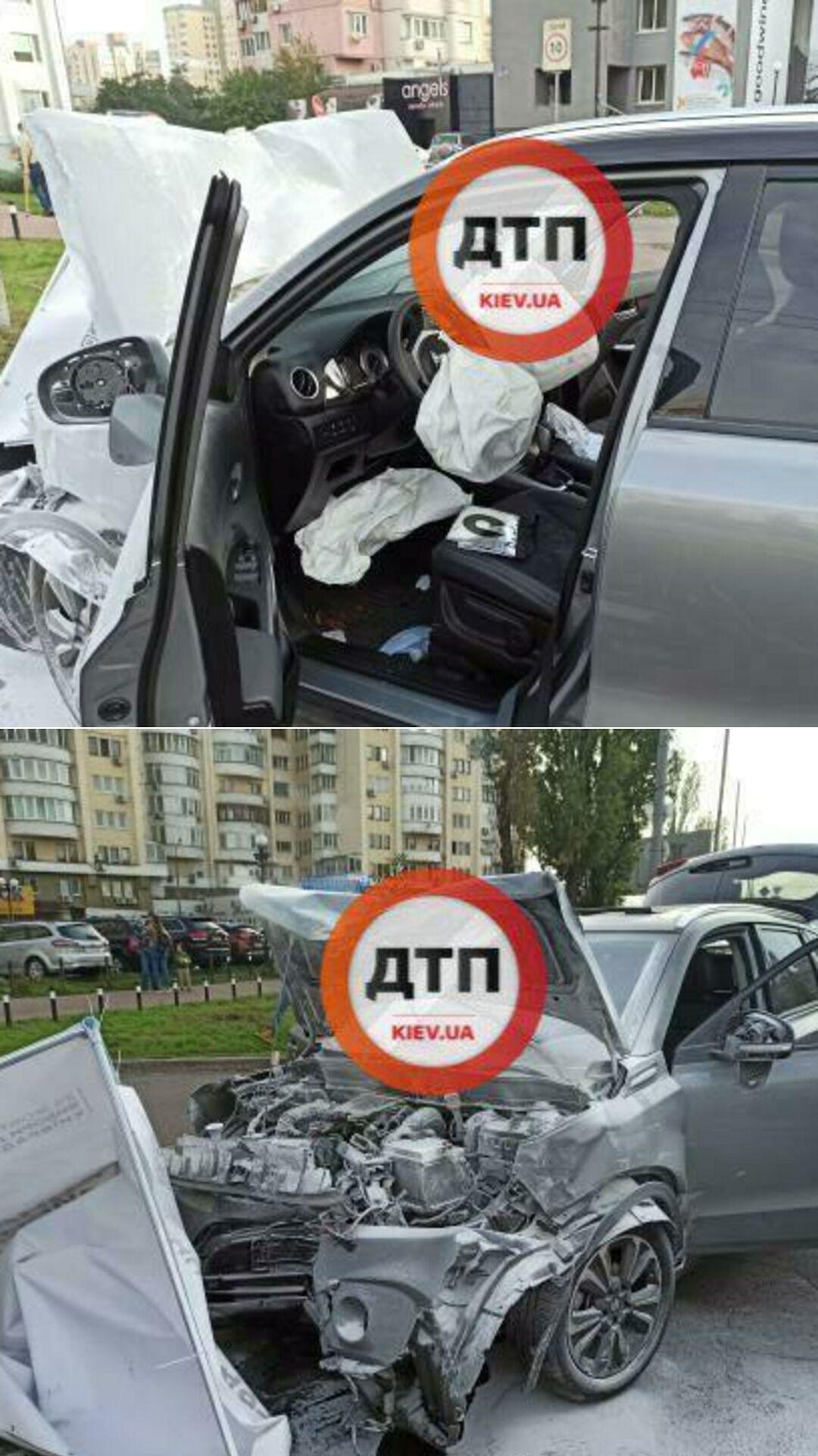 Водитель Suzuki не пропустил BMW, который врезался в скорую